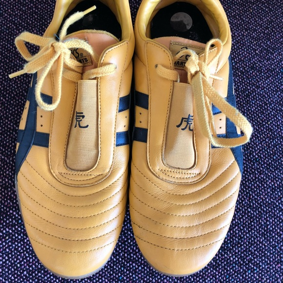 competitive price 65f1c ace82 ASICS Tiger martial arts shoes Kill Bill